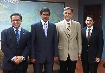 Dean Mirmiran meets with government and industry leaders at QLU in Panama. From L to R: Oscar León, Federico José Suárez, Amir Mirmiran, and Cesar Constantino (Titan America).