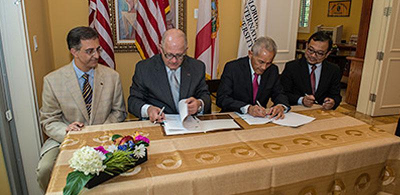 FIU Builds Partnership with Universiti Teknologi Petronas Malaysia