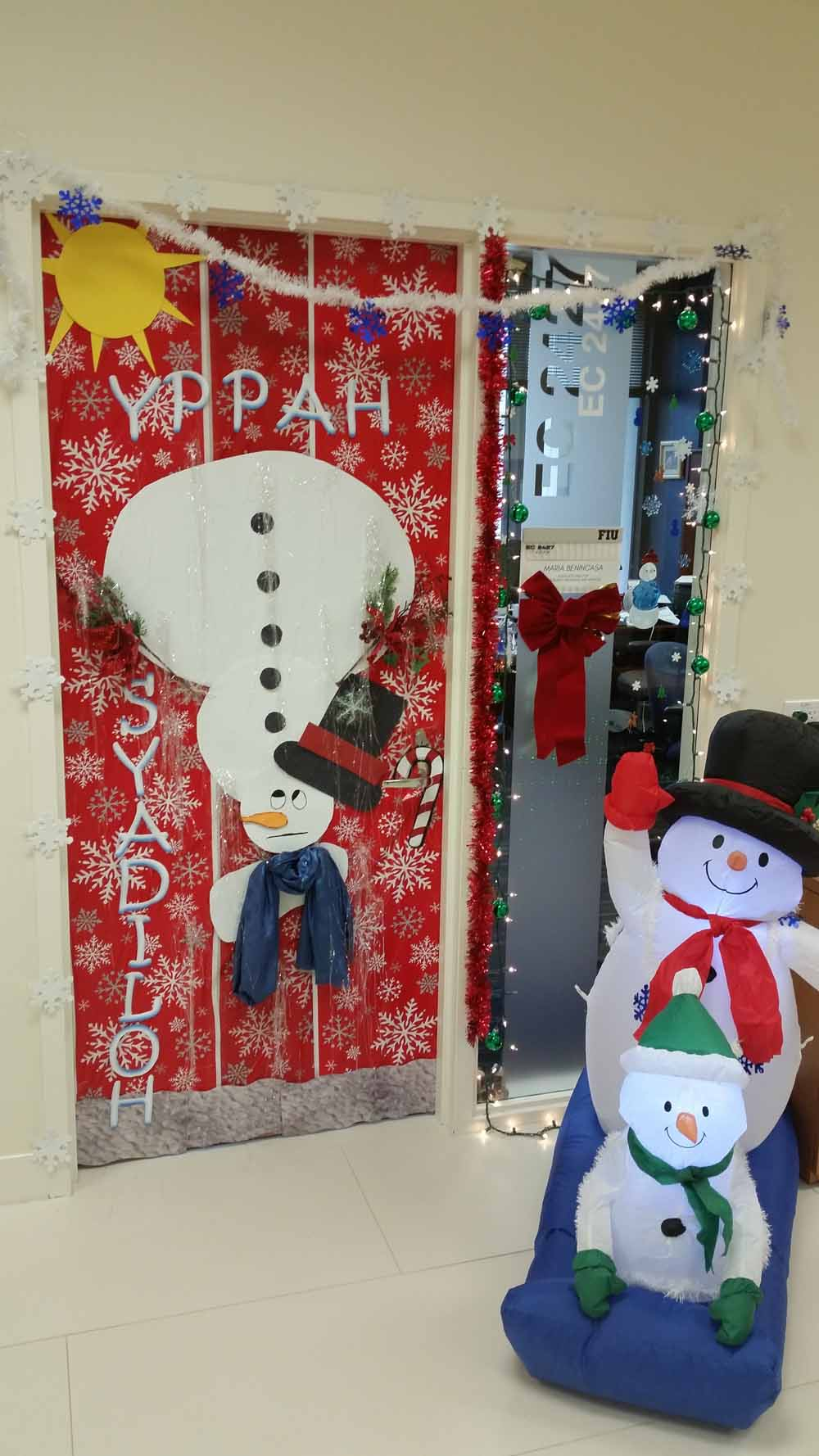 office holiday decorations. Had A Holiday Decoration Competition In Which Our Employees Decorated Their Office Desks And Doors. We Then Asked Everyone To Vote Pick The Winner. Decorations