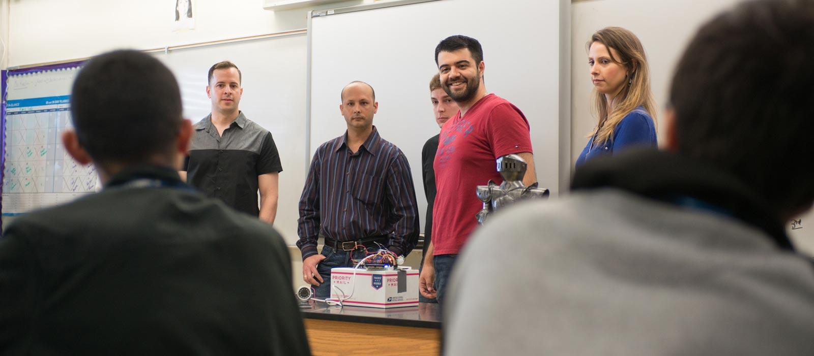 fiu-college-engineering-Engineering-students-inspire-high-schoolers-1600