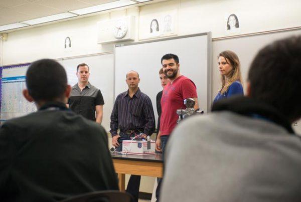 fiu-college-engineering-Engineering-students-inspire-high-schoolers-660x440