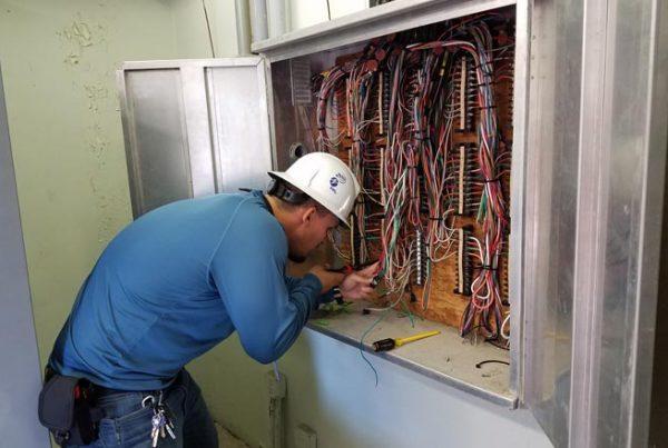 fiu-college-engineering-computing-Samuel-De-La-Torre-first-job-fpl-660x440