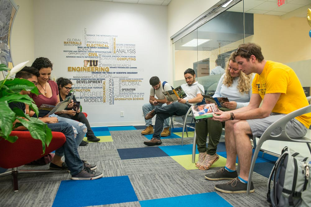 fiu-college-engineering-computing-Academic-Advising-1000x667
