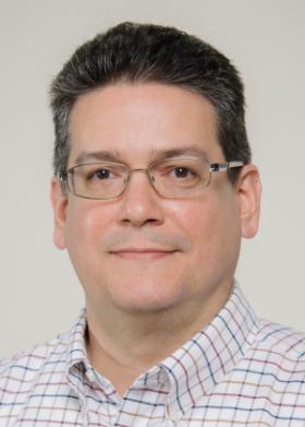 headshot of Steven Luis