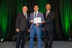 Hassan Eldeeb wins IEEE conference award