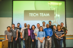 Engineering students teach FIU retirees how to be tech-savvy