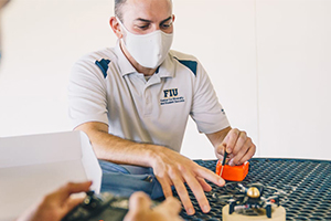 Engineering course explores ethical, social responsibilities in solving real-world challenges